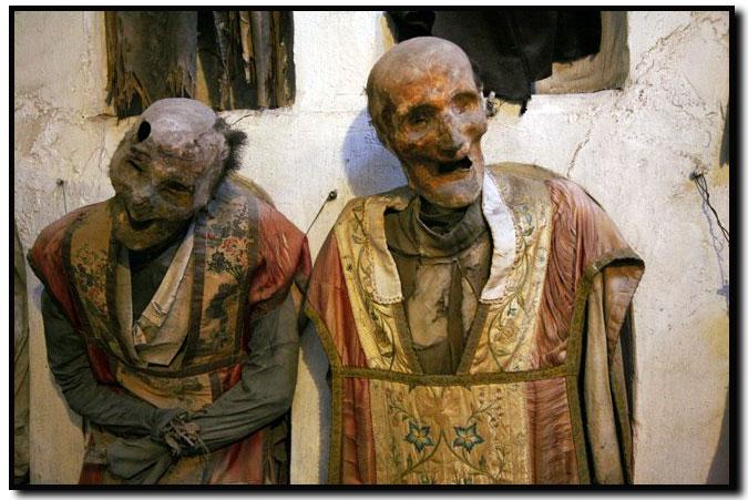 Crypte des Capucins - Palerme - Monseigneur Franco d'Agostino, Evêque de rite Byzantin de Piana degli Albanesi