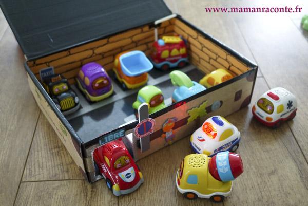 Parking pour petites voitures fabriqué avec une boite en carton 7