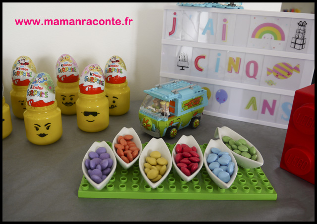 12. décoration buffet anniversaire Lego - les cahiers de Lucie-Rose