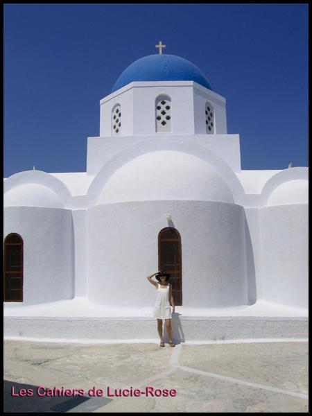 Santorin chapelle (c) les cahiers de Lucie-Rose