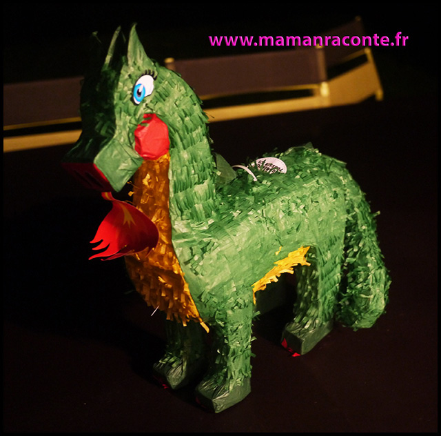 24. pinata dragon - anniversaire dragon pour enfants